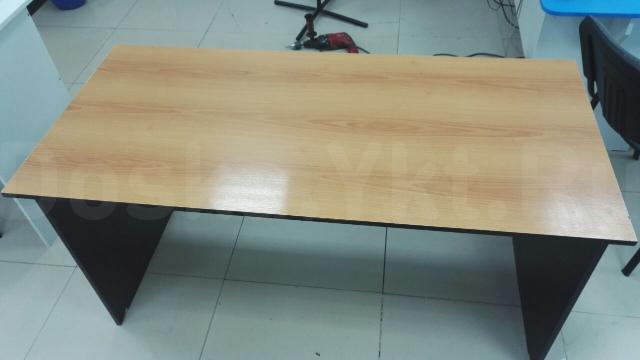 Продам столы в нормальном состоянии за один стол 1000 руб.